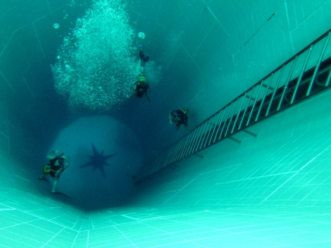 scuba diving pool nemo 33 Brussels Belgium
