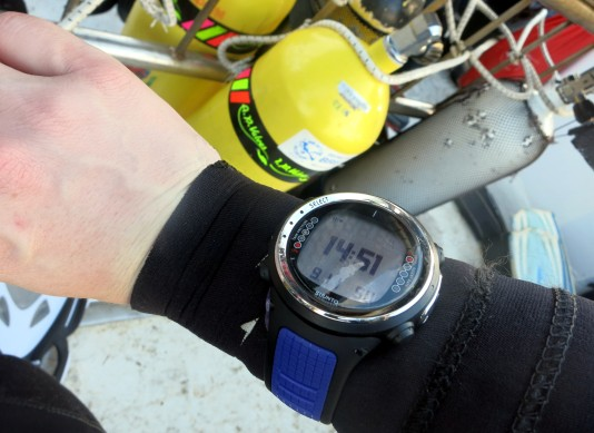 Perfectly tight enough on the wrist Drysuit Scotland Dive computer Sunnto D4i