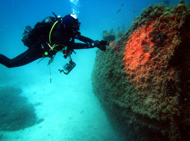 checking potential hazards wreck diving specialty Malta