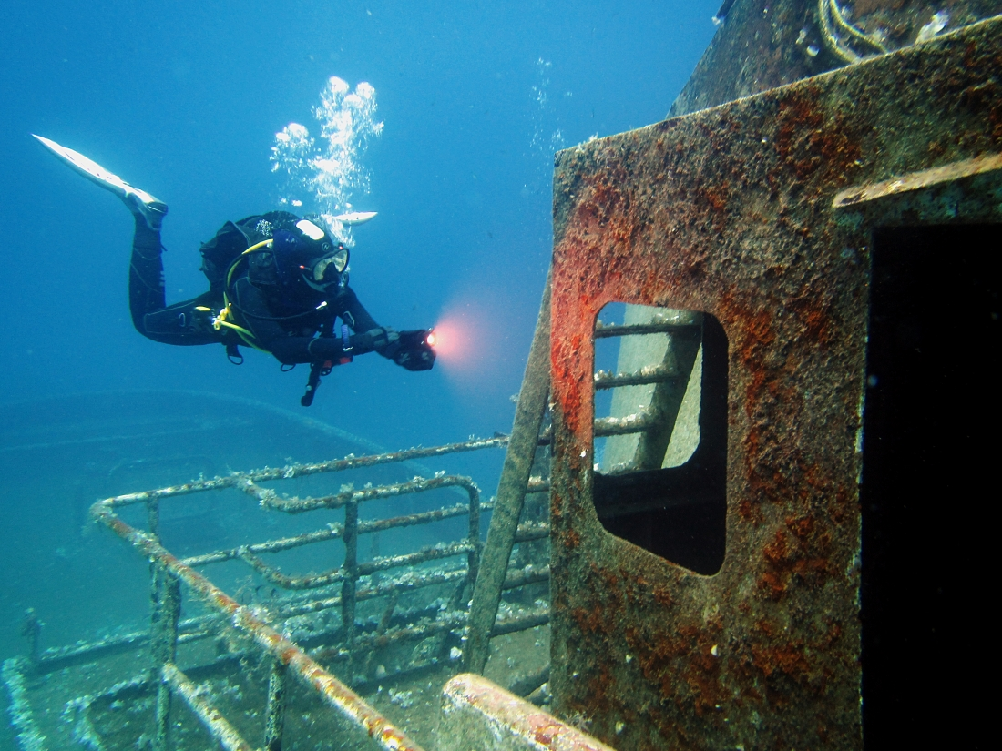 wreck diving training in Malta