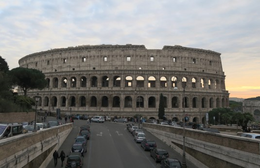 Coliseum - Walking tour in Rome in December