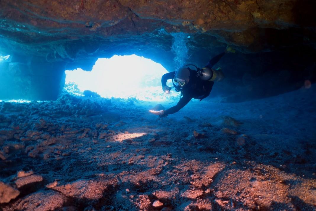 Diving in lave tubes Kohala Coast Hawaii